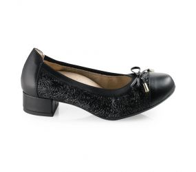 D'Chicas - Black Leather Heeled Flat