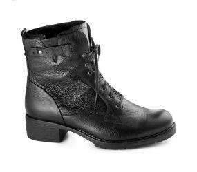 Durea - Black Leather Chukka