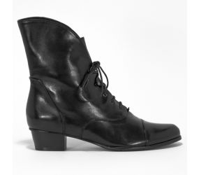 Regarde Le Ciel - Stefany 08 Black Lace Up Boot