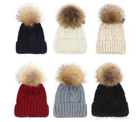 Women's Pom Pom Cable Knit Hat